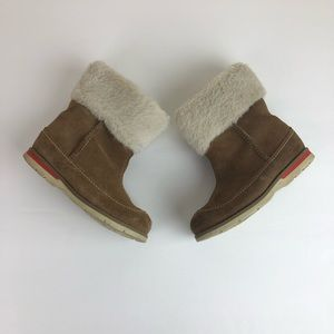Clarks toddler suede boots